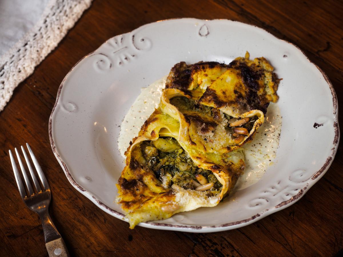 Il Moderno - Fagottino di pasta ripieno di broccoli e pinoli