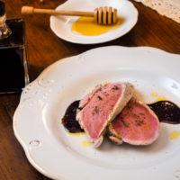 Il Moderno - Filetto di maiale con riduzione al miele e aceto balsamico