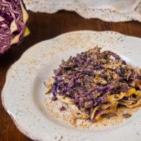 Il Moderno - Sagne al cavolo viola, salsiccia e pistacchi